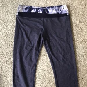 Lulu wunder under cropped leggings. Size 10